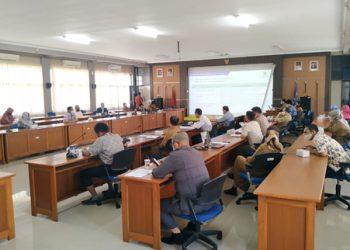 Diskusi tentang Rencana Kegiatan  Bidang Litbang PK BP4D  Kota Cirebon Tahun 2021